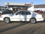 2004 Vibrant White Lincoln Town Car Signature #61966236