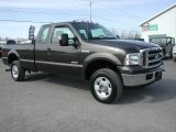 2005 Ford F350 Super Duty XLT SuperCab 4x4 Front 3/4 View