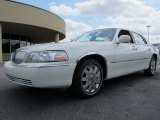 2005 Ceramic White Tri-Coat Lincoln Town Car Signature #62036812