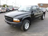 2003 Dodge Dakota SXT Club Cab 4x4 Data, Info and Specs