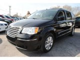 2010 Chrysler Town & Country Brilliant Black Crystal Pearl