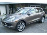Porsche Cayenne 2012 Data, Info and Specs