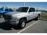 1998 Dodge Ram 1500 Laramie SLT Extended Cab 4x4 Front 3/4 View