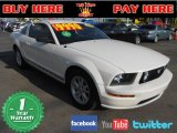 2005 Performance White Ford Mustang V6 Deluxe Coupe #62865489