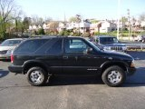 2005 Chevrolet Blazer LS 4x4 Data, Info and Specs