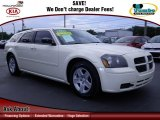 2005 Cool Vanilla White Dodge Magnum SXT #64100849