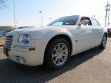 2005 Cool Vanilla Chrysler 300 C HEMI #64289362