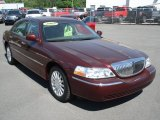 2003 Lincoln Town Car Executive Front 3/4 View