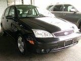 2005 Pitch Black Ford Focus ZX5 SES Hatchback #65611924