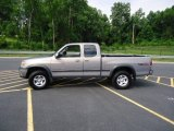 2000 Toyota Tundra SR5 Extended Cab 4x4 Data, Info and Specs