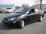 2004 Pitch Black Ford Focus SE Sedan #6639168