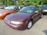2000 Oldsmobile Alero GL Coupe Front 3/4 View