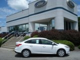 2012 Oxford White Ford Focus SE Sedan #67011896