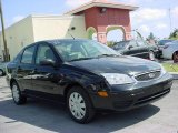 2005 Pitch Black Ford Focus ZX4 S Sedan #6745740