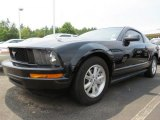 Black Ford Mustang in 2006