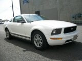 2006 Performance White Ford Mustang V6 Deluxe Coupe #68223249