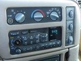 2001 Chevrolet Astro LS Passenger Van Controls