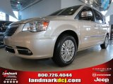 2013 Chrysler Town & Country White Gold