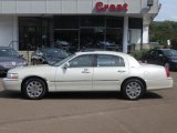 2005 Ceramic White Tri-Coat Lincoln Town Car Signature Limited #69727475