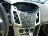 2012 Ford Focus SE Sedan Controls
