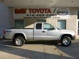 2004 Bright Silver Metallic Dodge Dakota SXT Club Cab 4x4 #69841140