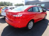 2012 Race Red Ford Focus SE Sedan #70133376