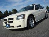 2005 Cool Vanilla White Dodge Magnum SXT #70893876