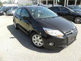 2012 Tuxedo Black Metallic Ford Focus SE 5-Door #71337391