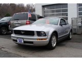 2009 Brilliant Silver Metallic Ford Mustang V6 Coupe #7137078