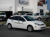 2003 Cloud 9 White Ford Focus ZX5 Hatchback #702010