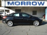 2013 Tuxedo Black Ford Focus SE Sedan #72040125