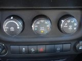 2011 Jeep Wrangler Call of Duty: Black Ops Edition 4x4 Controls