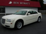 2008 Cool Vanilla White Chrysler 300 Touring #72398461