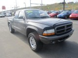 2002 Dodge Dakota SXT Club Cab 4x4 Data, Info and Specs