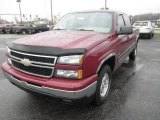 2006 Chevrolet Silverado 1500 Hybrid Extended Cab 4x4 Front 3/4 View