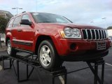 2006 Inferno Red Crystal Pearl Jeep Grand Cherokee Laredo #73054808