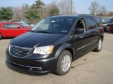 Chrysler Town & Country 2013 Data, Info and Specs