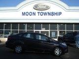 2013 Violet Gray Ford Fiesta SE Sedan #73581351