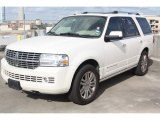 2007 Lincoln Navigator Luxury Front 3/4 View