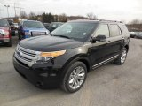 2013 Ford Explorer XLT 4WD Front 3/4 View