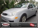 2005 CD Silver Metallic Ford Focus ZX4 SE Sedan #75168714