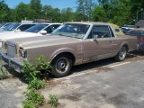 Lincoln Continental 1980 Data, Info and Specs