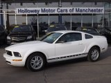 2007 Performance White Ford Mustang V6 Deluxe Coupe #75612489