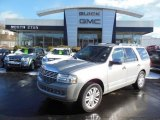 2008 Vapor Silver Metallic Lincoln Navigator Luxury 4x4 #76072129