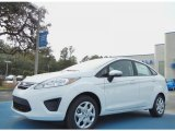 2013 Oxford White Ford Fiesta SE Sedan #76279096