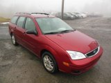 2005 Ford Focus ZXW SE Wagon Front 3/4 View