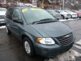 2007 Chrysler Town & Country Magnesium Pearl