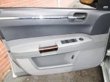 2005 Chrysler 300 C HEMI Door Panel