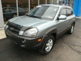 Hyundai Tucson 2005 Data, Info and Specs