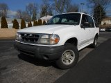 2000 Ford Explorer XL 4x4 Front 3/4 View